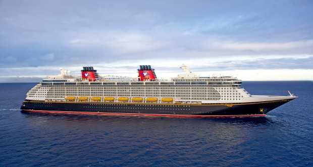Disney Fantasy Earns Top Honor in 2013 Cruisers Choice Awards