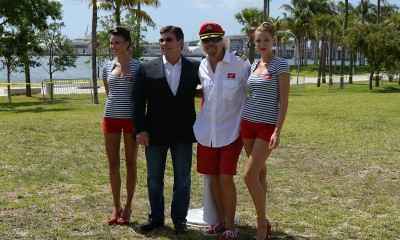 Sir Richard Branson and Virgin Cruises President & CEO Tom McAlpin raise flag in Miami (PRNewsFoto/Virgin Cruises)